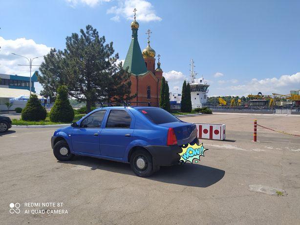 Машина Рено Логан