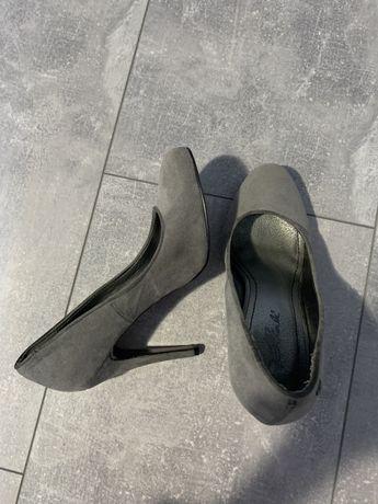 Туфли замшевые 38р