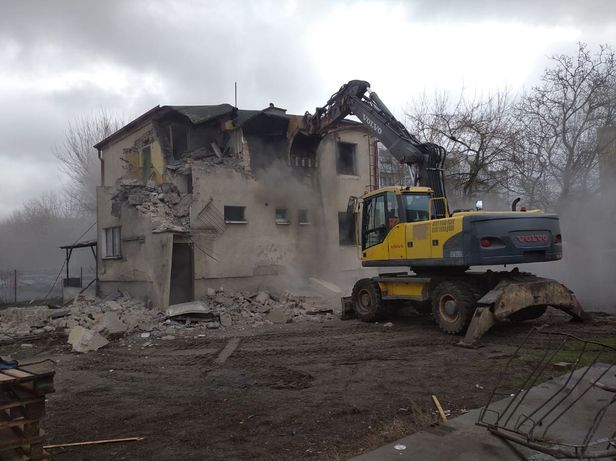Wyburzenia Rozbiórki Kucie Młotem Transport Wywrotka 24 t Poznań