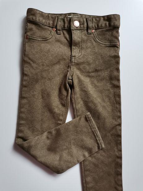 Spodnie jeansowe.