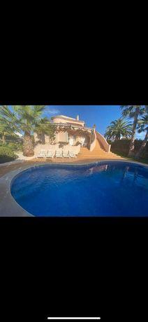 Bonita Moradia v3 com piscina