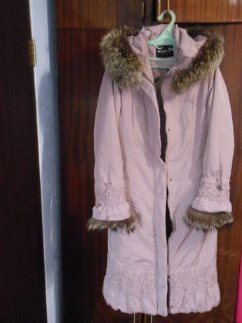 Новое пальто с отстегной меховой подстежкой,мехом на капюшоне и рукаве