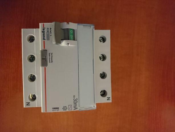 Różnicówka 25A 30mA Typ AC 400 V