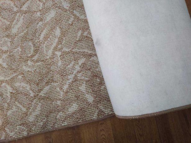 Красивый ковролин б.у., 3*4,55 м, ковер, палас на войлочной основе
