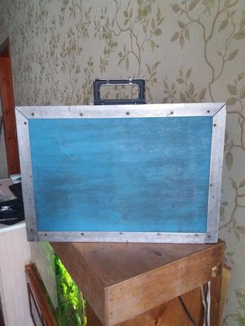 Ящик для переноса хрупких вещей.