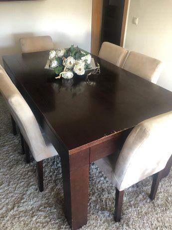 Vendo Mesa de Jantar e/ou Aparador, madeira de alta qualidade