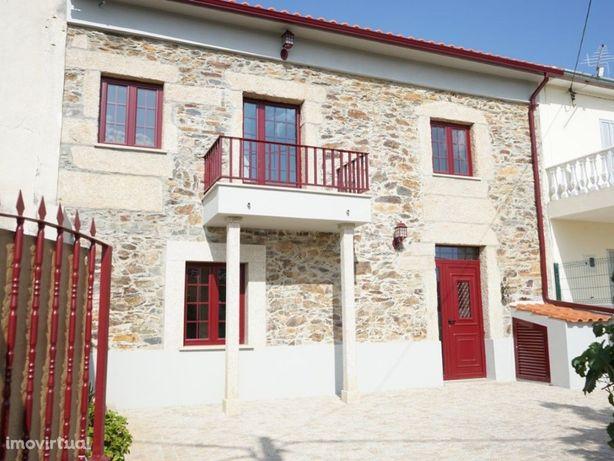 Moradia T3 totalmente renovada na Aldeia da Malcata, Sabugal