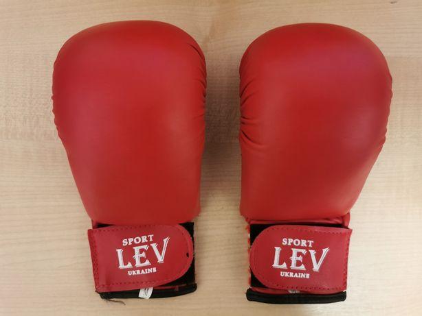 Перчатки для каратэ  LEV кожзам
