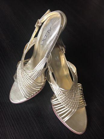 Buty marki ALDO, stylowe złote sandałki na szpilce 36 ślub sylwester