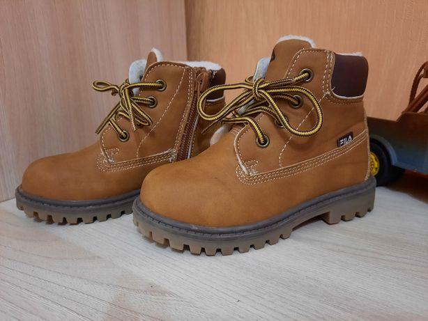 Продам тёплые ботиночки FILA 23 размер