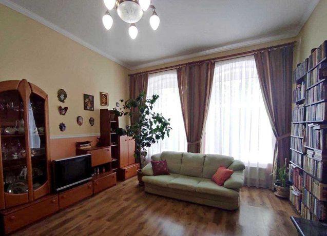 2-кімнатна квартира, 73кв.м., цегла, автономка, ремонт, діючий камін