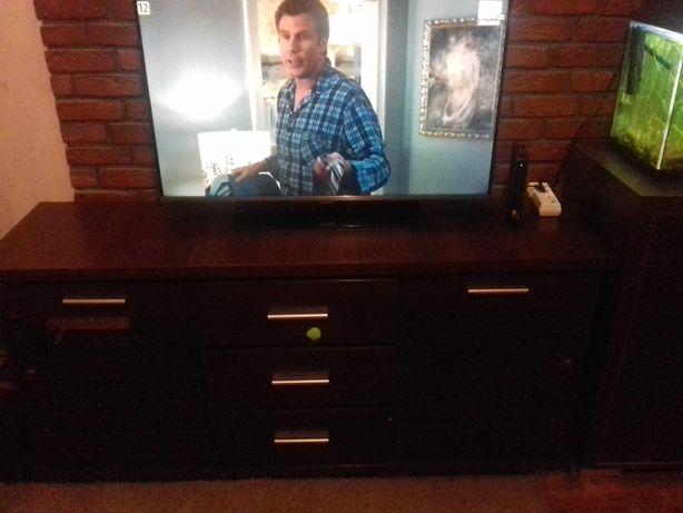 Sprzedam szafę pod RTV . Stan idealny.