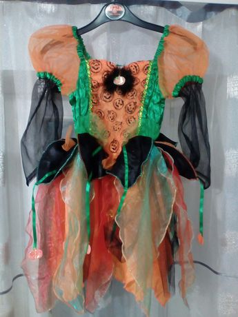 Платье на девочку на Хеллоуин на 5-7 лет