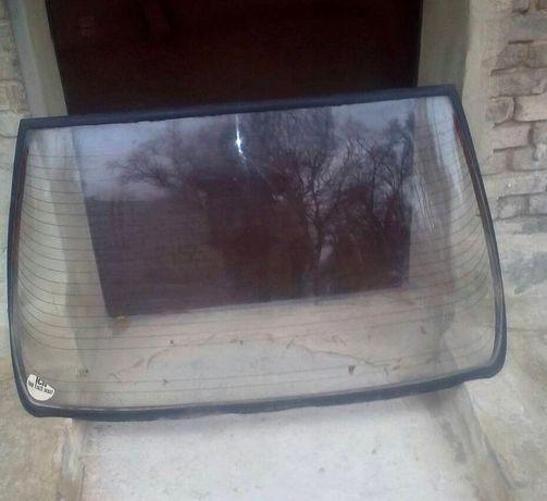 Заднее стекло рено 11