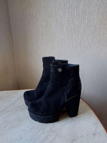 Женские ботинки на платформе. Кожа. Размер 40