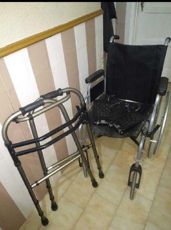 Vendo cadeira de rodas em muito bom estado com oferta do andarilho