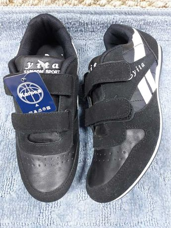 Новые кроссовки на 8 - 14 лет, 800 руб.