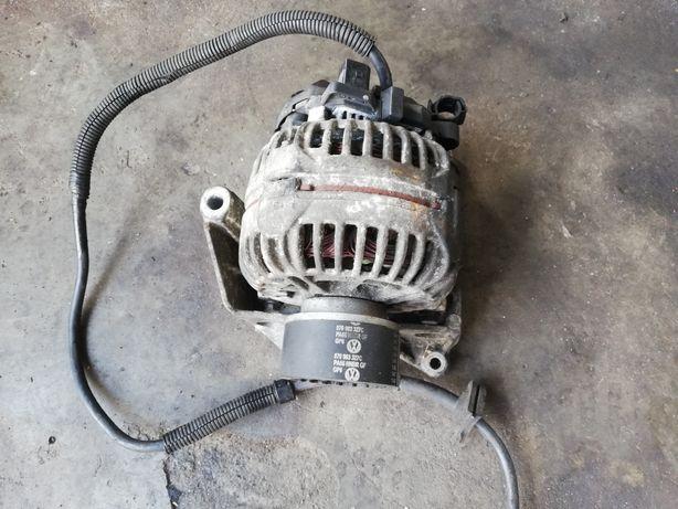 VW T5 TOUAREG 2.5tdi Alternator z podstawą