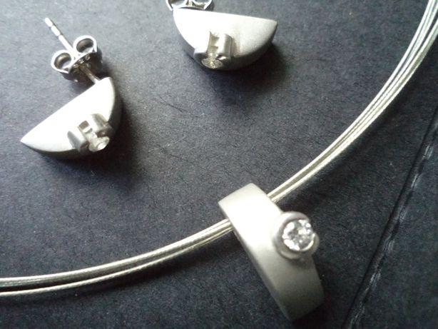 Minimalizm i finezja - komplet biżuterii ze srebra