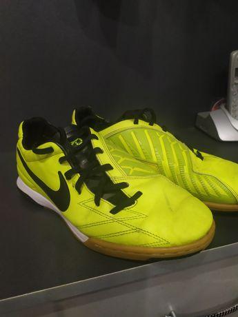 Футзалки Nike 39-40 размер