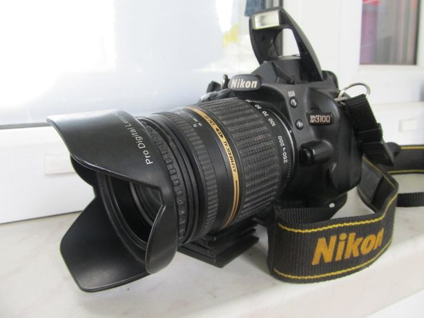 Продам зеркальную фотокамеру Nikon D3100 + 2 объектива