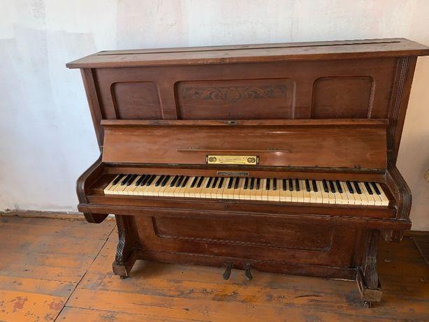 Stare, zabytkowe Pianino
