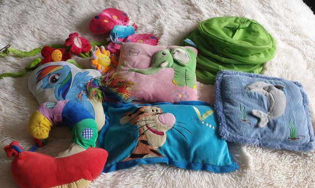 Poduszki do dziecięcego pokoju plus pojemnik na zabawki wiszący