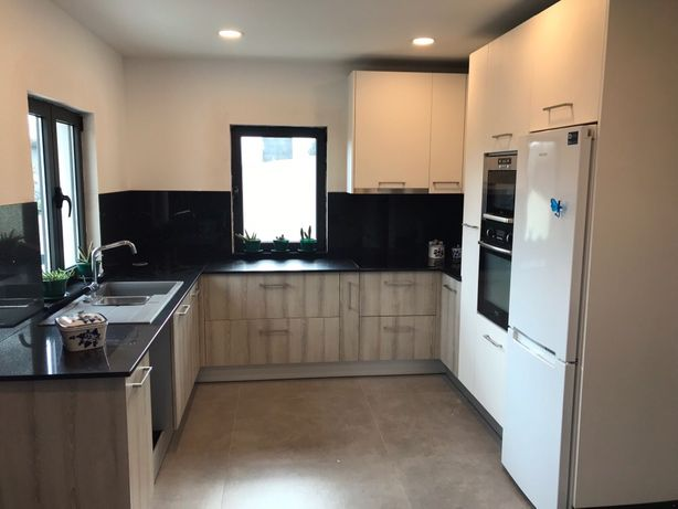 Venda de cozinhas e montagem. Facebook Kitchen SVA