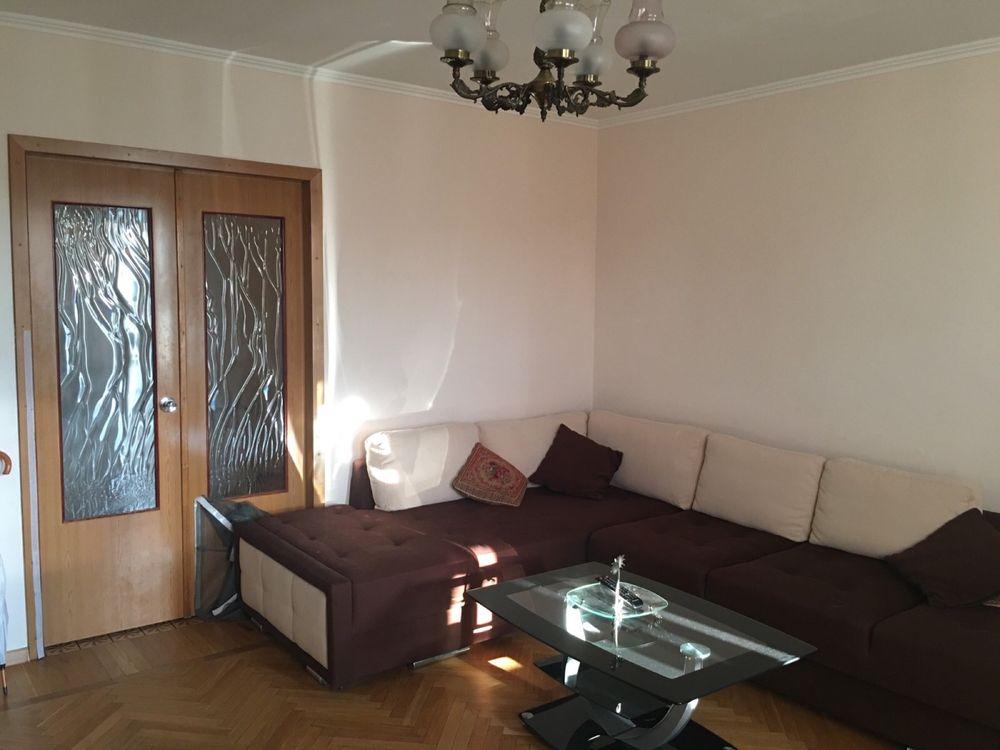 Продам 3-х комнатную квартиру с видом на парк Победы