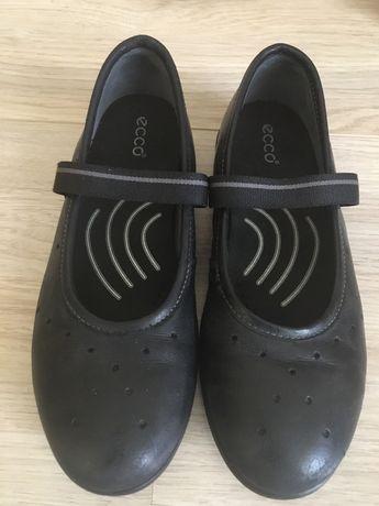 Туфлі ессо, для дівчинки, в гарному стані