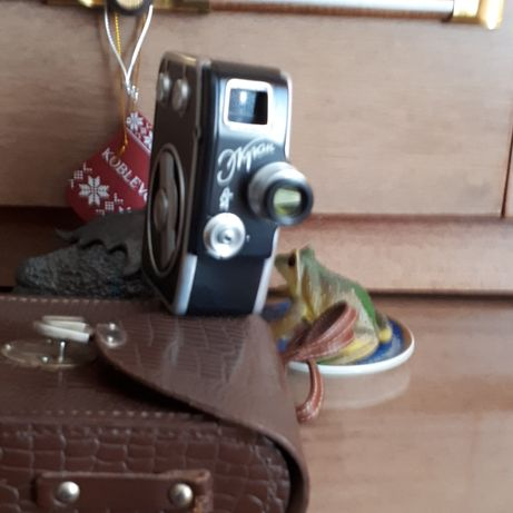 Продам кинокамеру