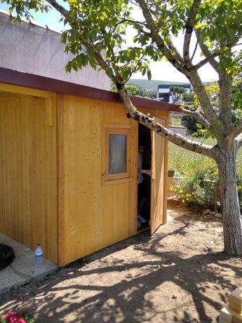 Abrigo de madeira