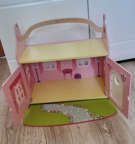 Drewniany Domek dla lalek przenośny