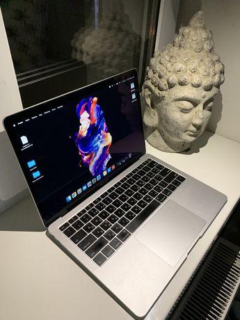 MacBook Air 13 (256gb 2018)