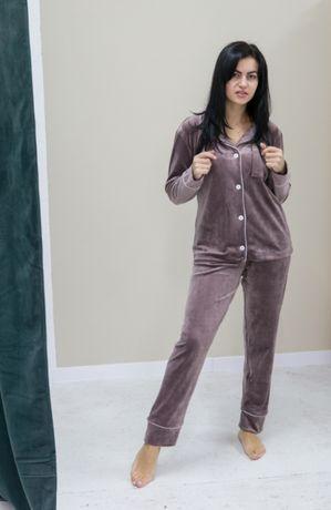 Пижама велюровая на пуговицах - мягкая и теплая