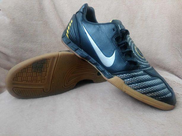 Футзалки, кроссовки, бампы Nike Total 90 Shoot II IC (размер 42,5)