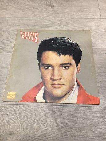 Виниловая поастинка Elvis Presley.
