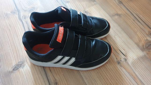 Adidasy chłopięce bardzo dobry stan rozmiar 35