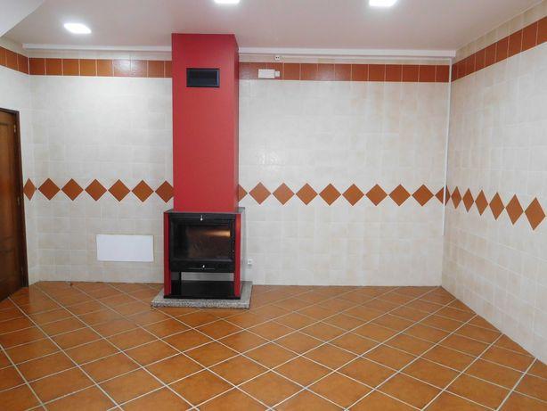Casa T4 centro de Penela/ Coimbra - Cozinha Equipada+ Garagem