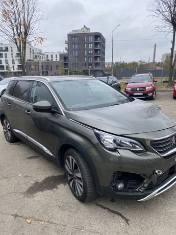 Peugeout 5008 2017