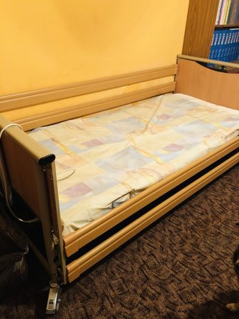 Łóżko rehabilitacyjne + wózek inwalidzki