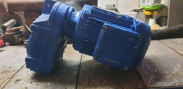 Nowy motoreduktor walcowy 61obr z silnikiem elektrycznym 1,1kw