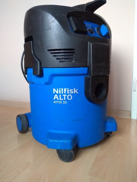 Odkurzacz przemysłowy za 40% ceny nowego NILFISK ALTO ATTIX 30-2M XC