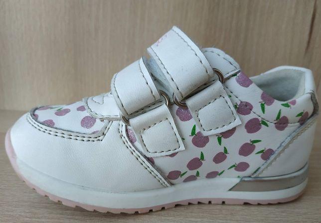 Кросівки для дівчаток. Кросовки Сказка белые размер 21