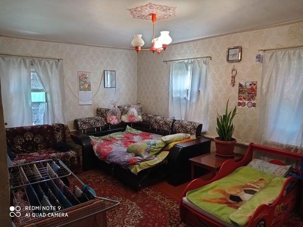 Дом в с. Бутовка возле жд вокзала г.Змиева и хвойного леса!