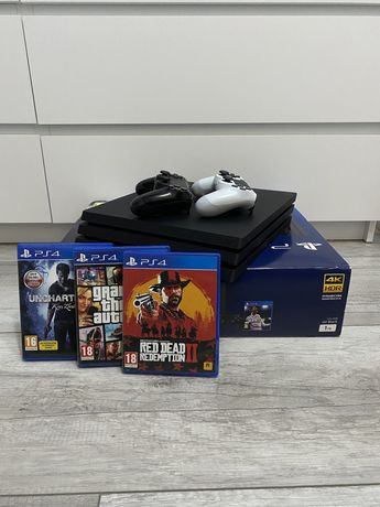 PS4 PRO 1TB ! 2x PAD / GTA 5 / RDR 2 / Uncharted
