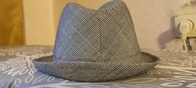 Новая мужская шляпа
