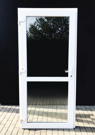 Drzwi białe z PCV 110x210 szyba . NOWE !!