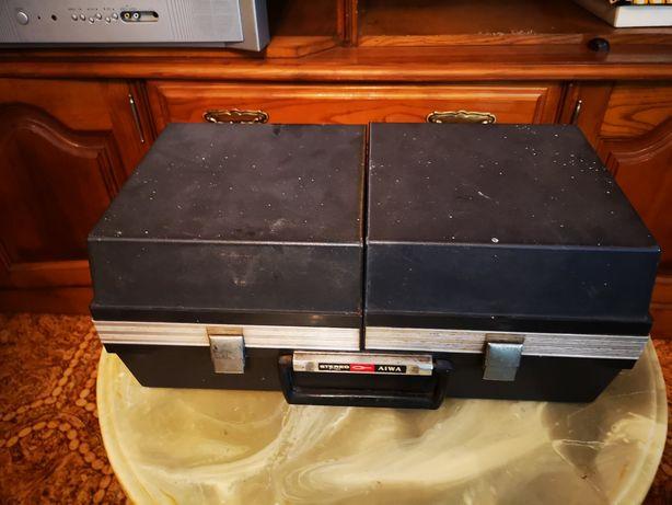 Gira discos portátil Aiwa vintage