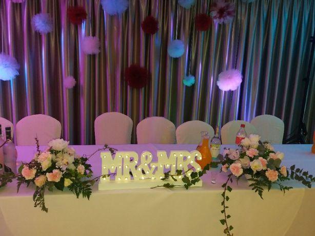Napis Mr&Mrs biały lampki LED
